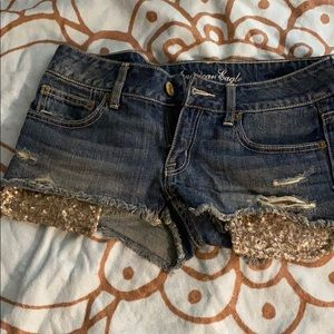 Jean short with gold pockets